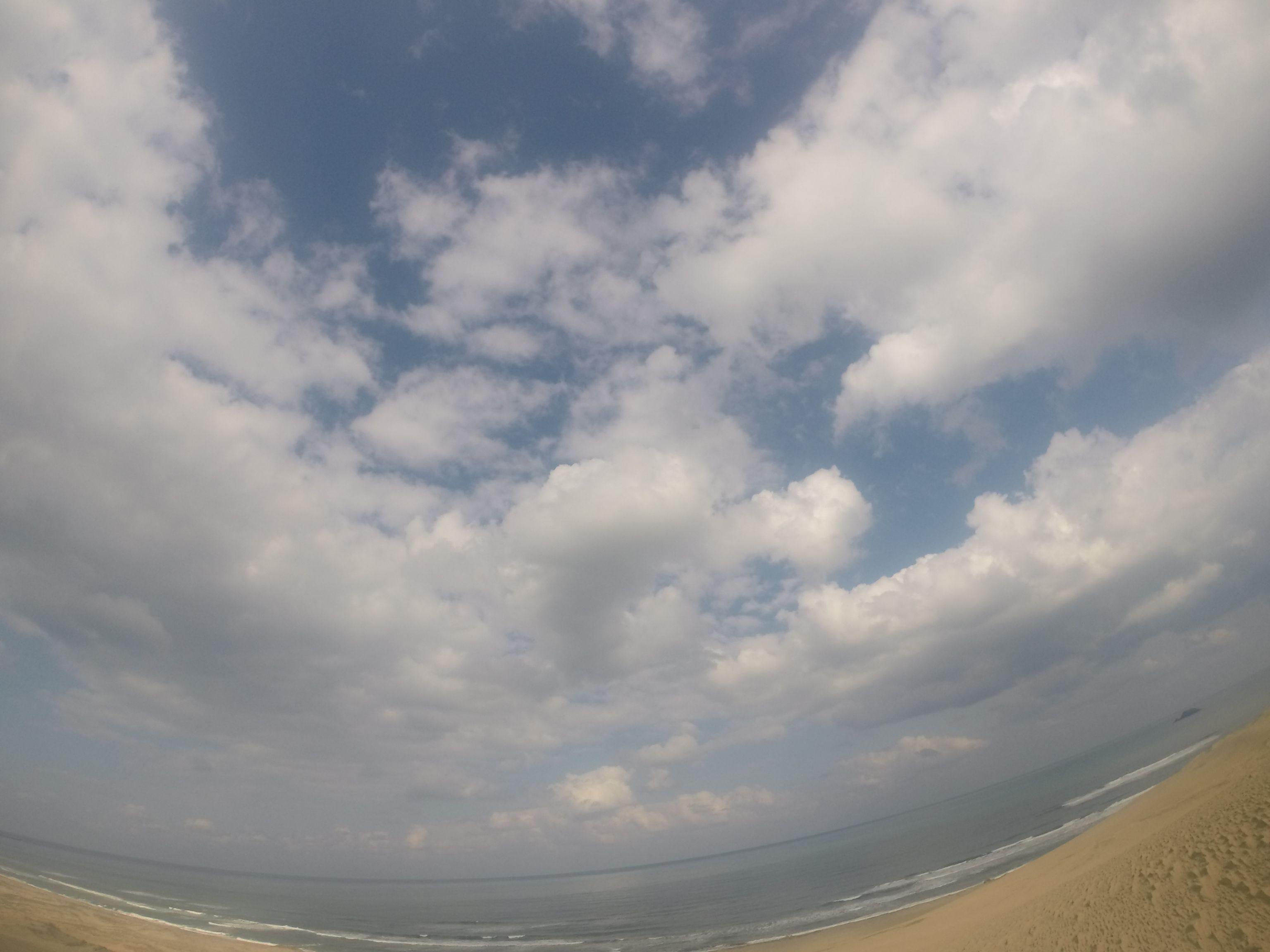 爽やかな青空が広がってきた鳥取砂丘