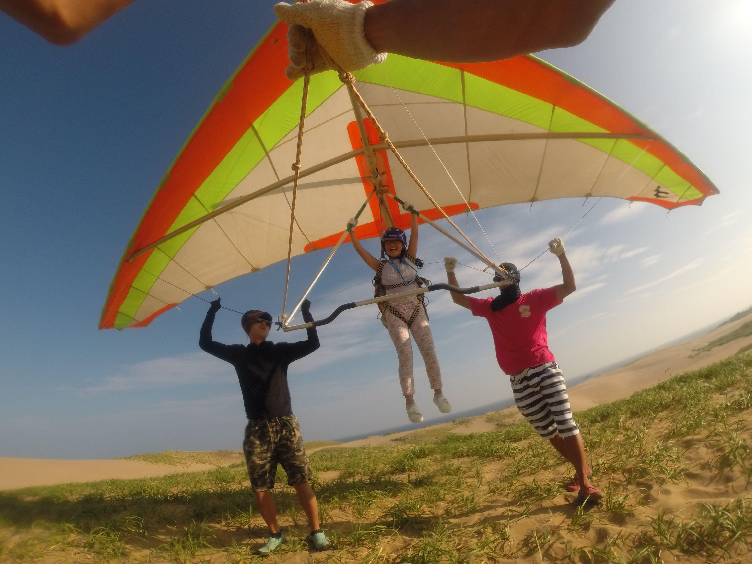 難しい風の場合にはハンググライダーの出番