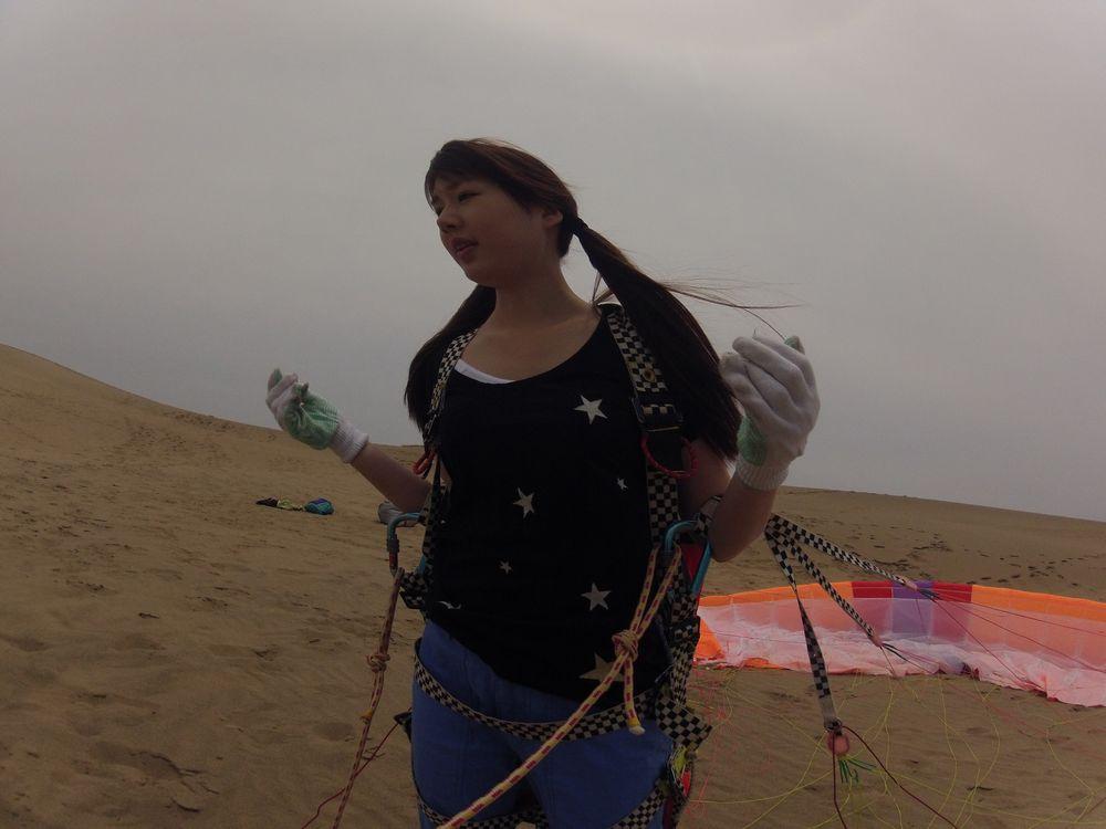 涼しい鳥取砂丘にやってきた彩ほのかさん