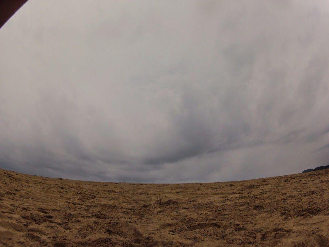 曇り雨鳥取砂丘