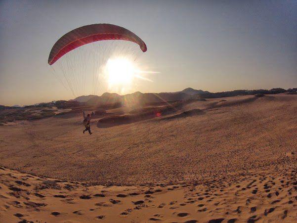 早朝砂丘パラグライダー