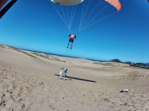 青い空 砂丘パラグライダー