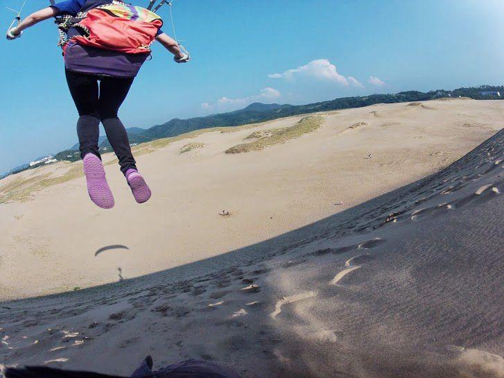 高台から豪快にフライト砂丘パラグライダー