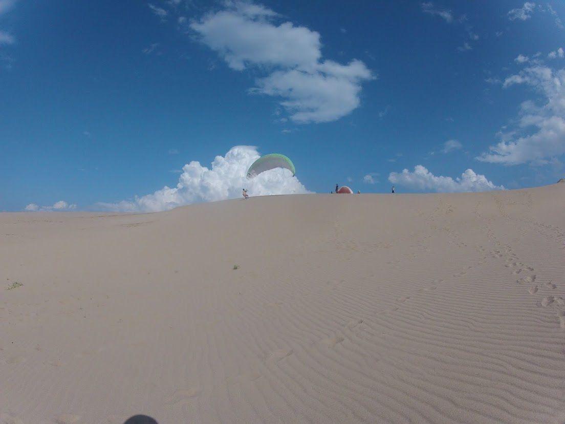 砂丘の上空はすっかり青空
