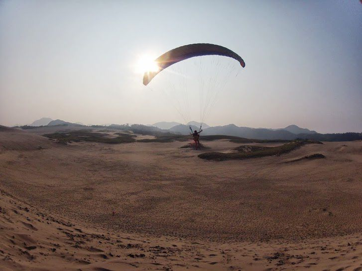 長者ヶ庭の高台のてっぺん砂丘パラグライダー