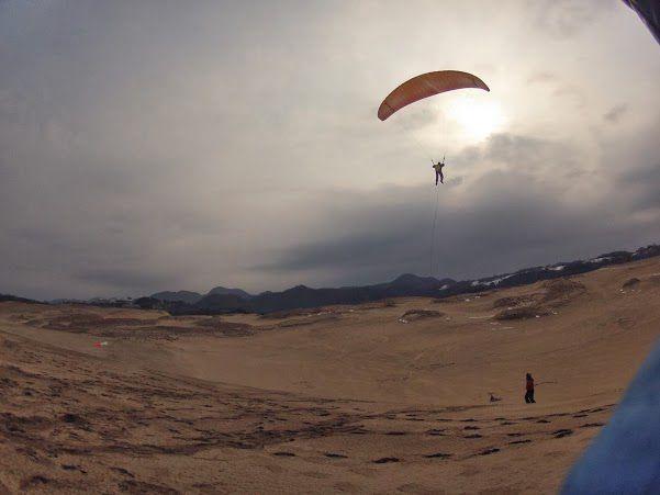 砂丘パラグライダー トーイングスタイル