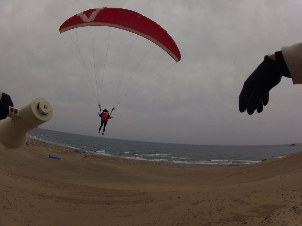 天気予報に反して弱い風の鳥取砂丘パラグライダー