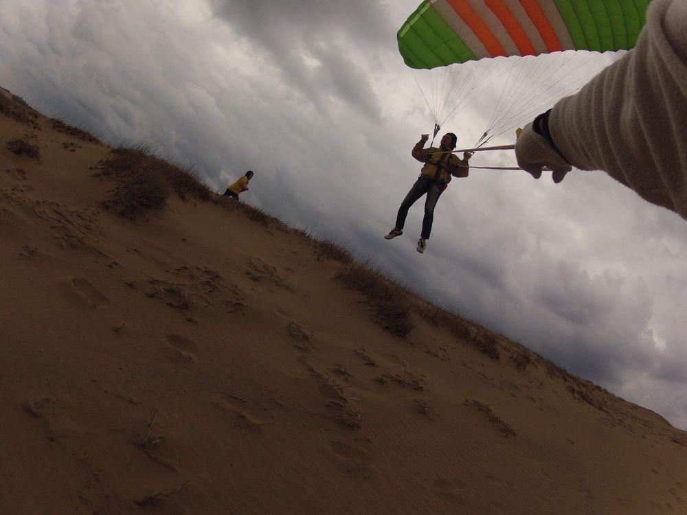 三重県から早朝の鳥取砂丘パラグライダー