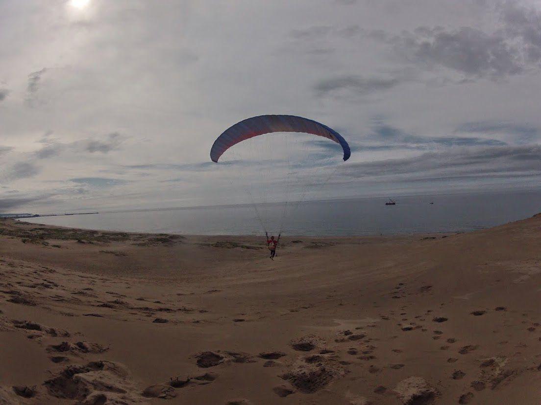 梅雨砂丘パラグライダー