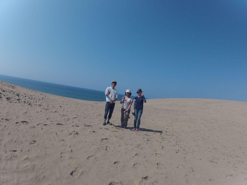 鳥取砂丘を飛びました!みんなでハイち~ず
