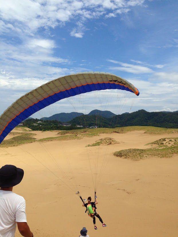 豪快なフライト鳥取砂丘