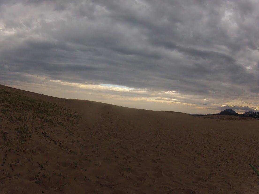夜明け鳥取砂丘