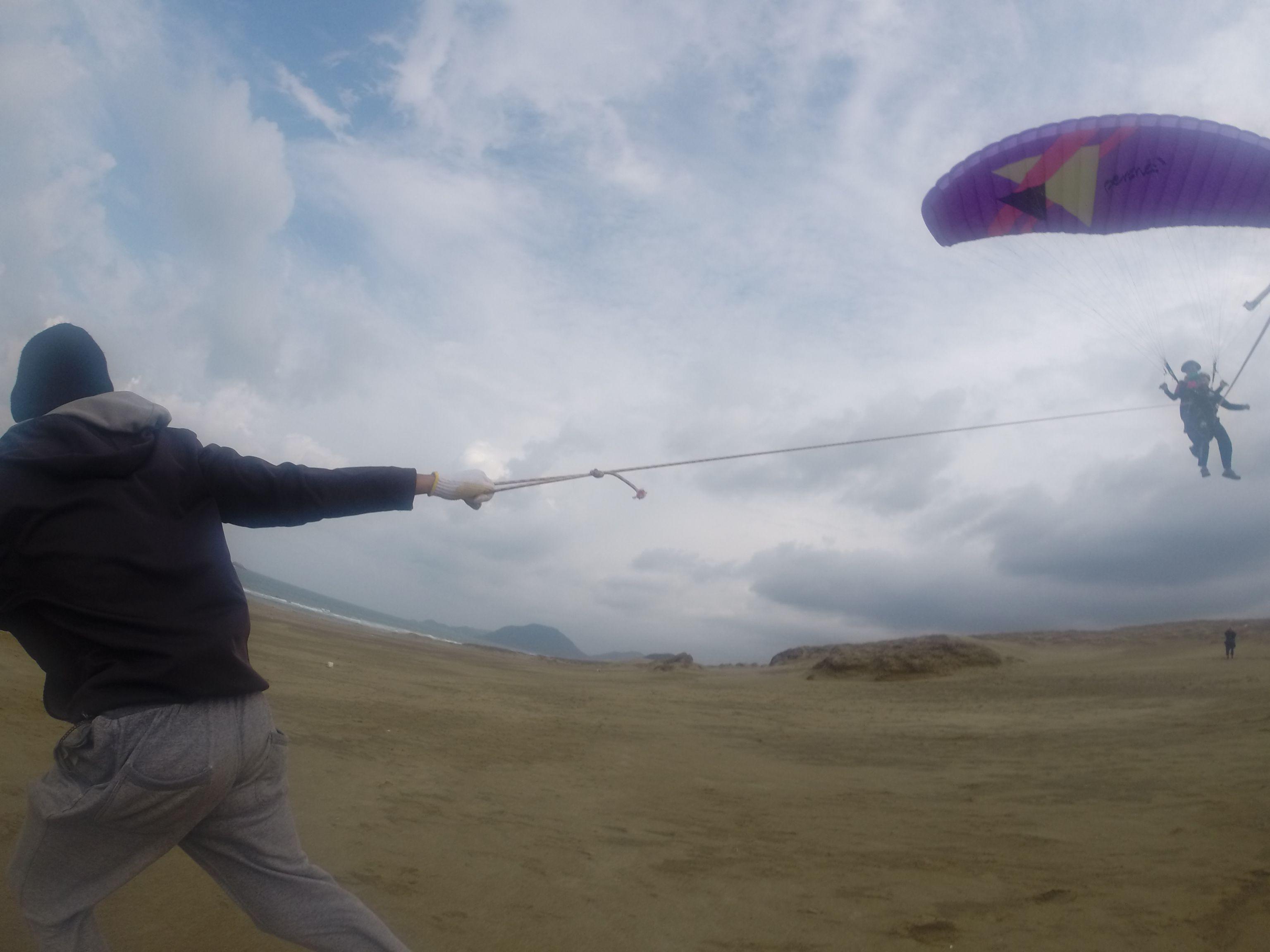 風が強くなったところを見計らって、タンデムフライトで