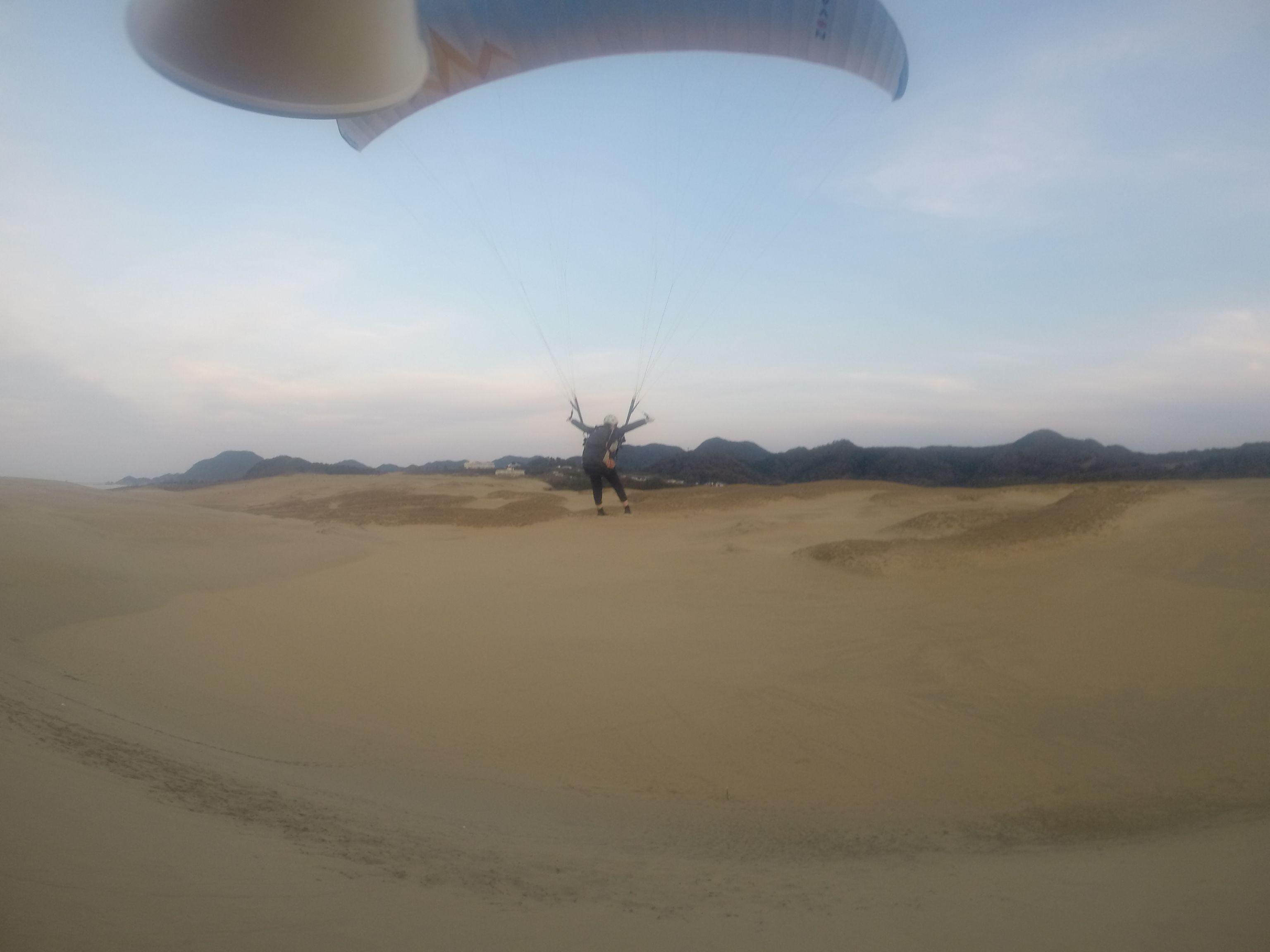 落差の大きな丘から、最後はダイナミックに飛ぶ