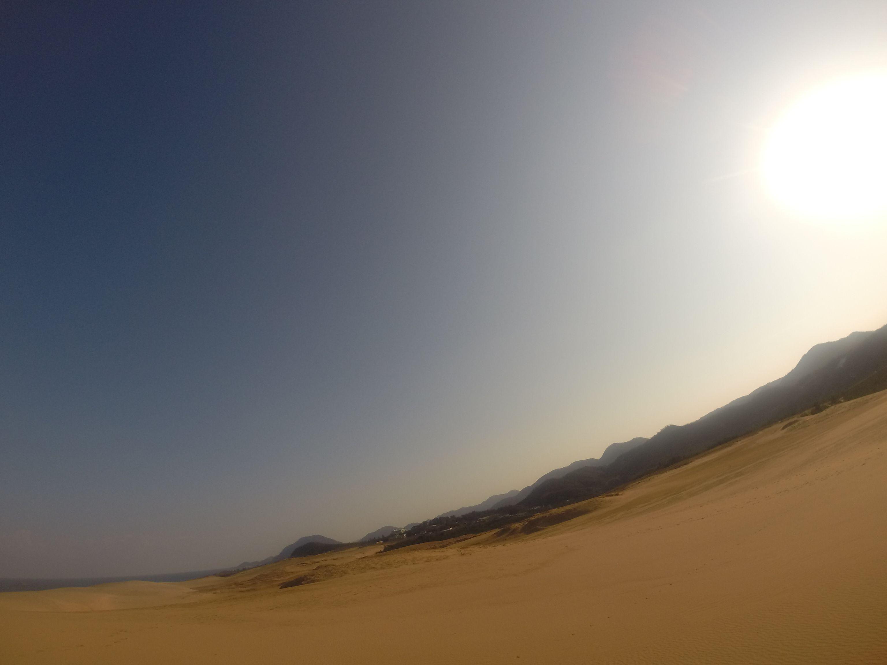 日差しが気持ちい鳥取砂丘の冬の朝