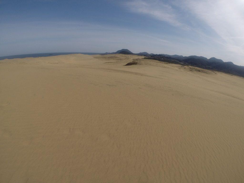 ゆっくり雲に覆われてきた鳥取砂丘