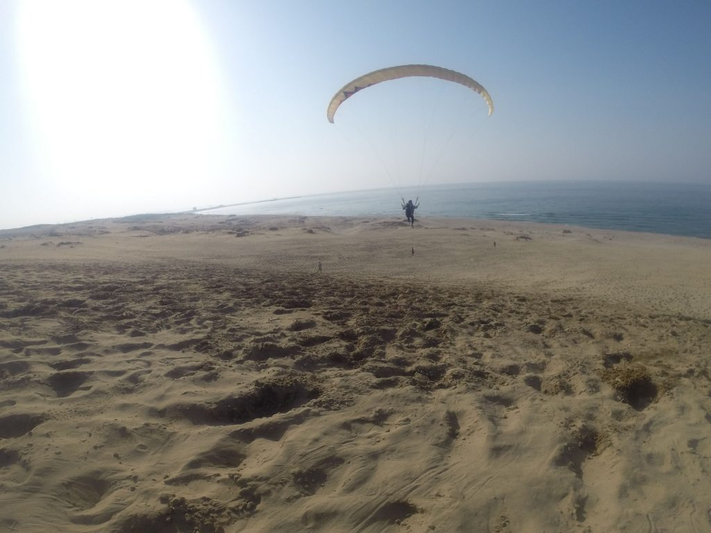 圧倒的な風景を目の前にしながら飛ぶ