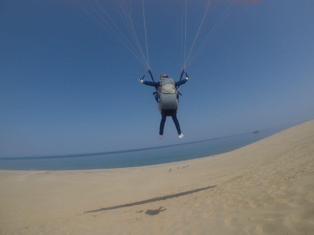 真っ青な海と空の彼方目指して飛んでいけ~