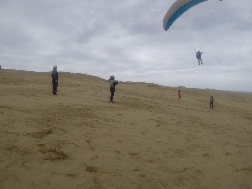 風が収まってなんとパラグライダーも出来ました!