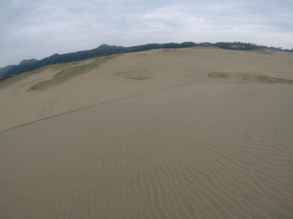 雨が近づいている鳥取砂丘