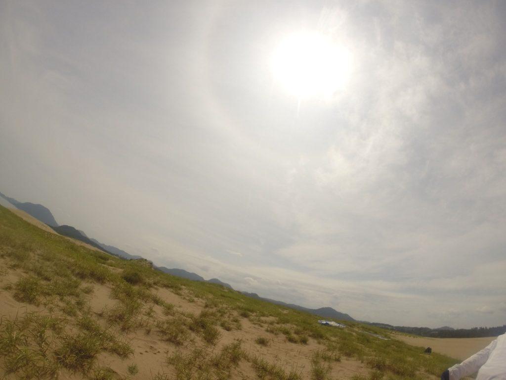 カ~っと真夏の太陽が照り付ける鳥取砂丘