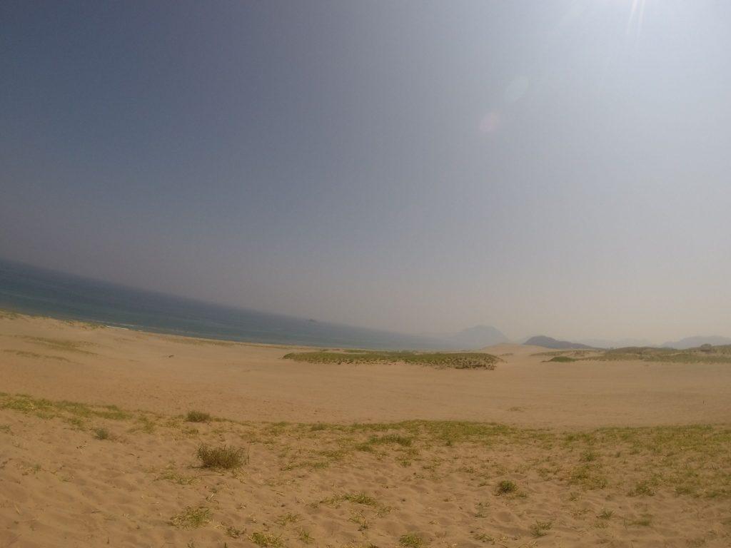 心地よい風が届く鳥取砂丘の小高い丘から