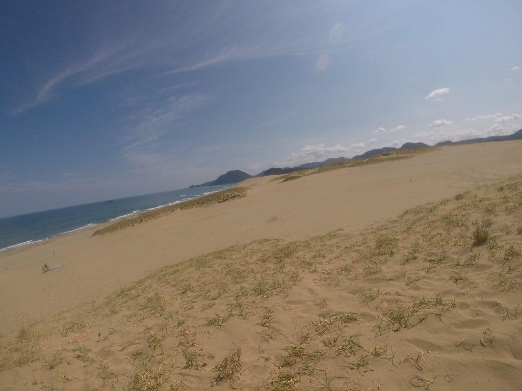 風が通るところは涼しい鳥取砂丘