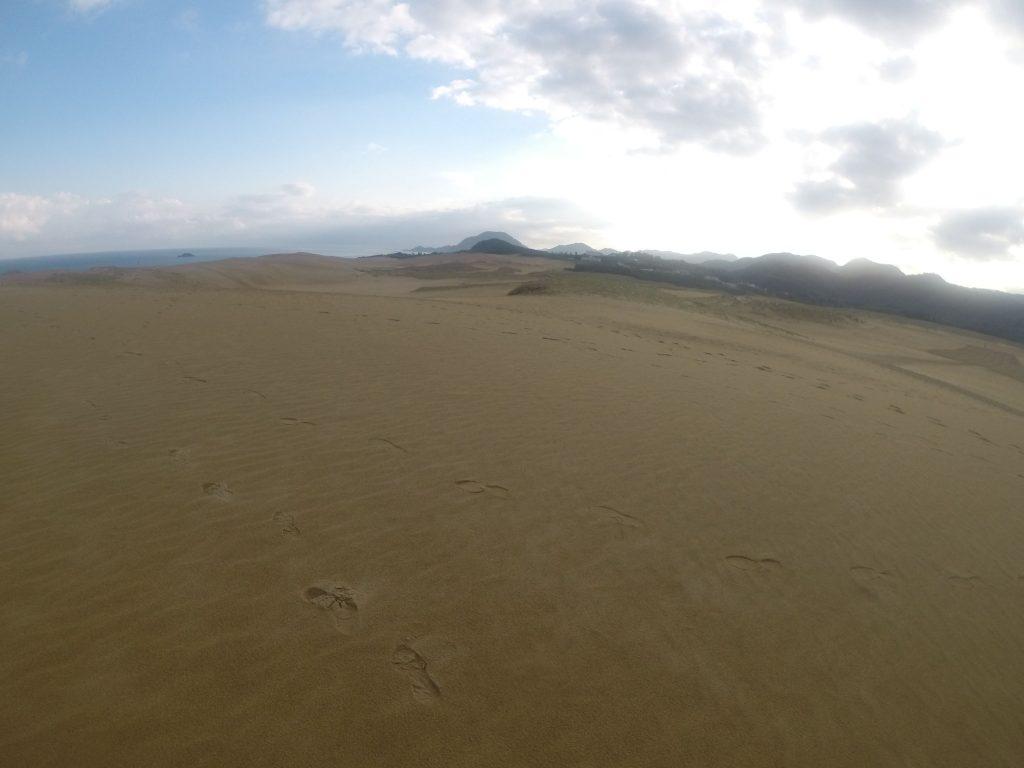 しばらくは青空が見えていたけど、だんだん曇っていった鳥取砂丘