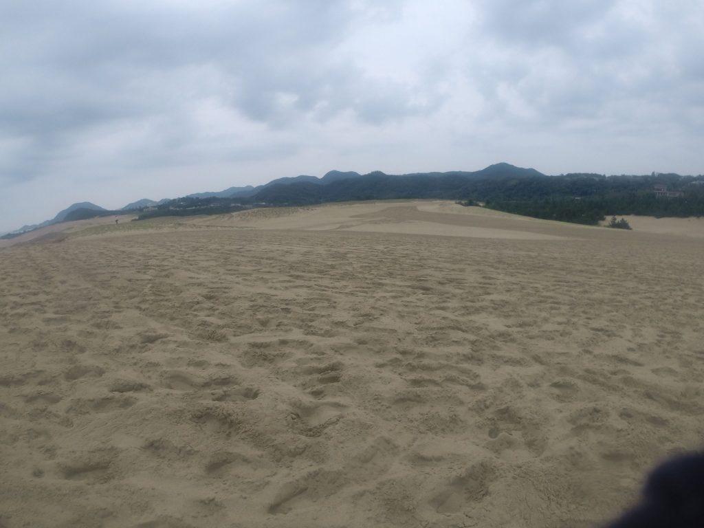 三連休で足跡いっぱいの鳥取砂丘