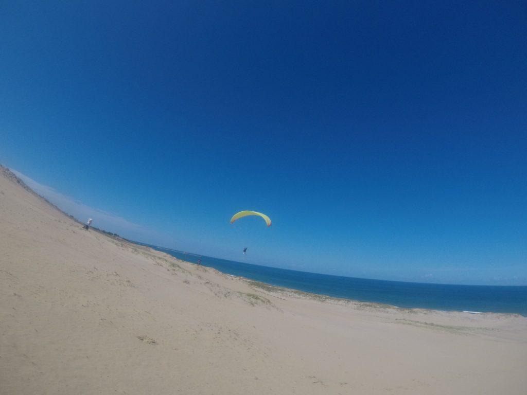 はるか水平線をまたいで飛んでいるようで、大空を自在に飛ぶ感覚をちょっと味わえました^^