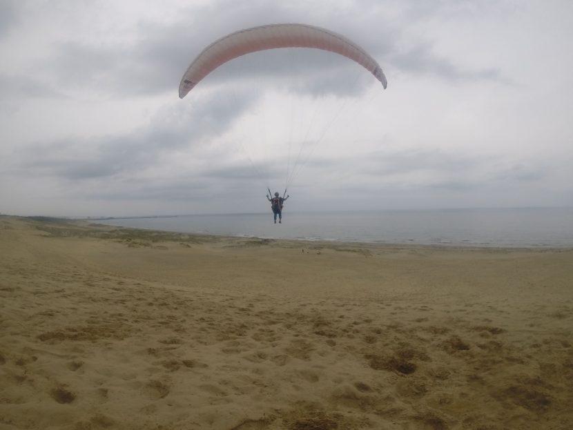 怪しい天気のことは忘れて、おおいに鳥取砂丘の空を堪能しました