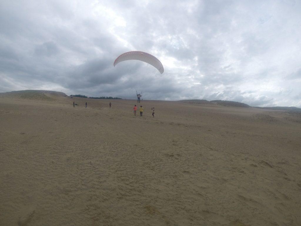 こちらもハンググライダーのちパラグライダーで飛行三昧