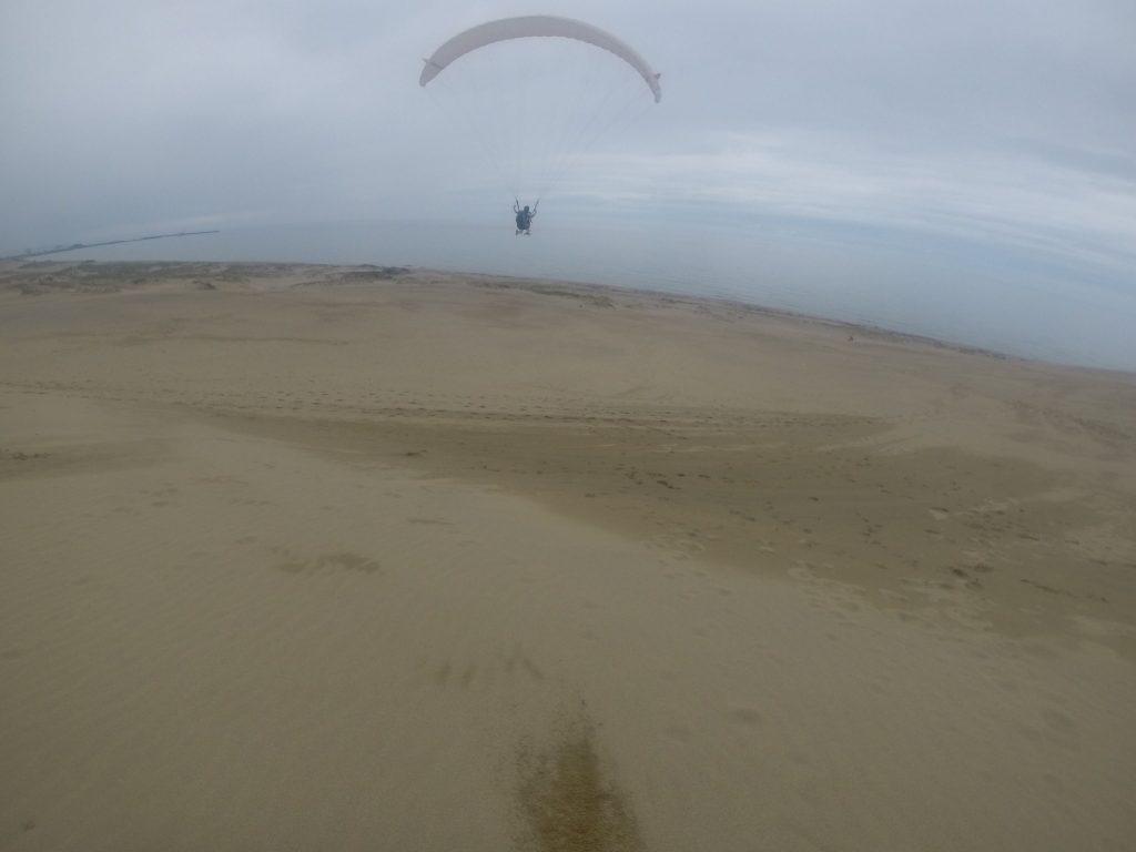 鳥取砂丘の風は、空へと優しく誘ってくれました