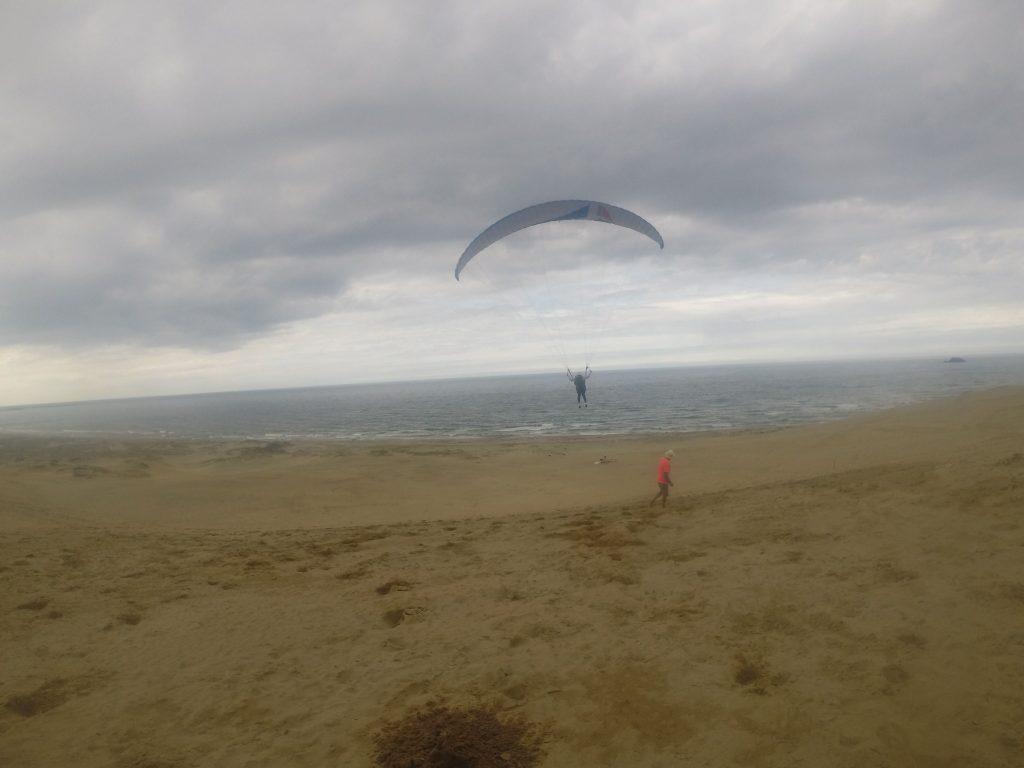 風をとらえて、空の上から圧倒的なスカイビューを堪能