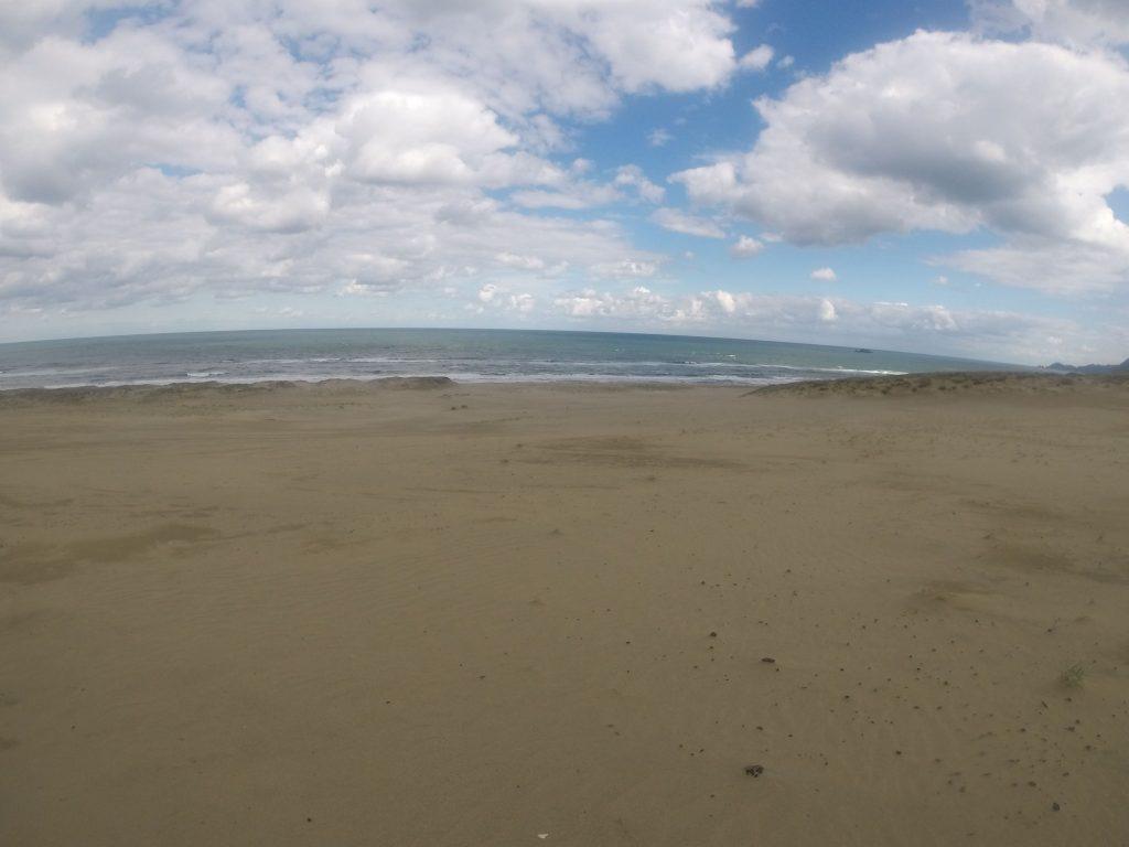 やっと晴れたけど、冷たい風が吹いた鳥取砂丘