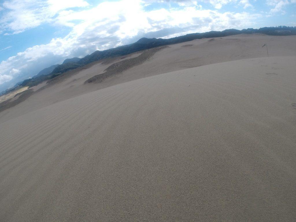 秋の行楽日和にふさわしい一日が始まった鳥取砂丘
