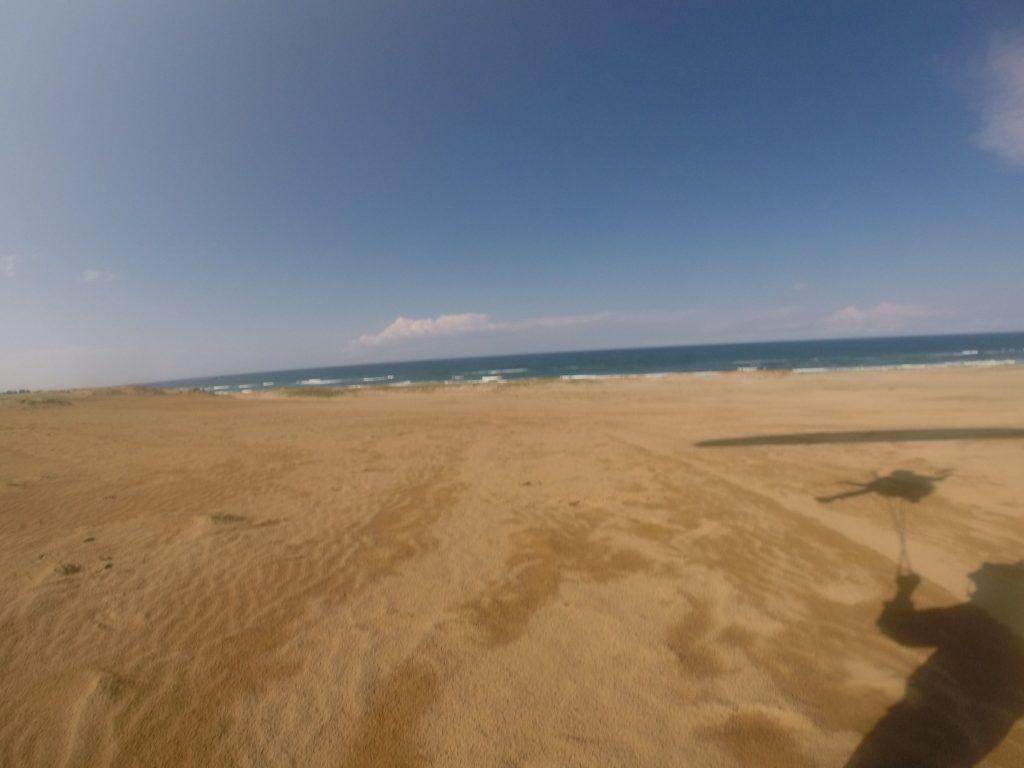 予報は少しずれたようで、スカッと晴れ渡った鳥取砂丘