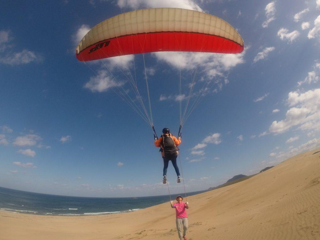 浮遊感に身を任せて、鳥取砂丘の空をひとっ飛び