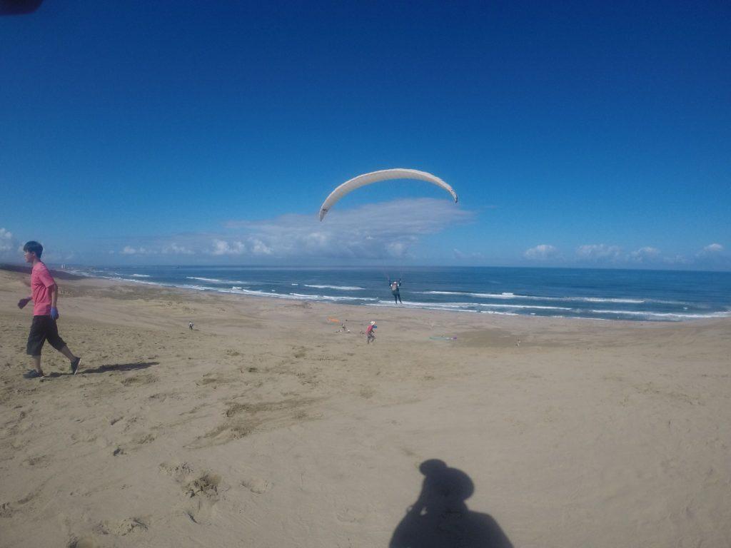 青い青い空の下、潮風をいっぱいに浴びながら