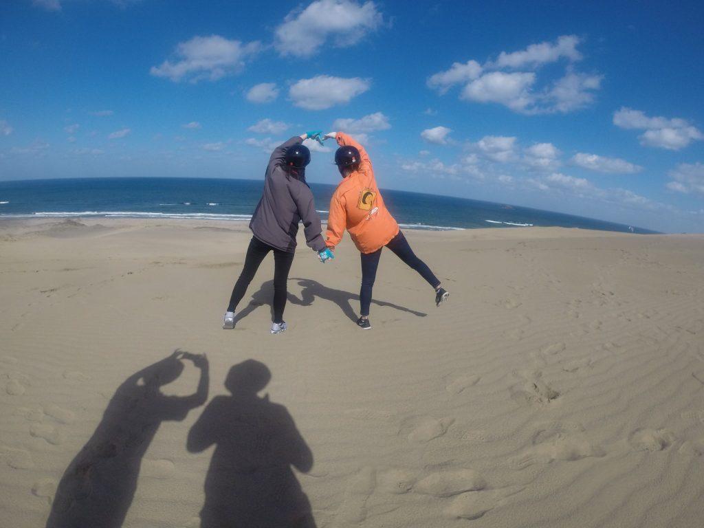 世界を駆け巡るCAさんたちが、砂丘の空へGO