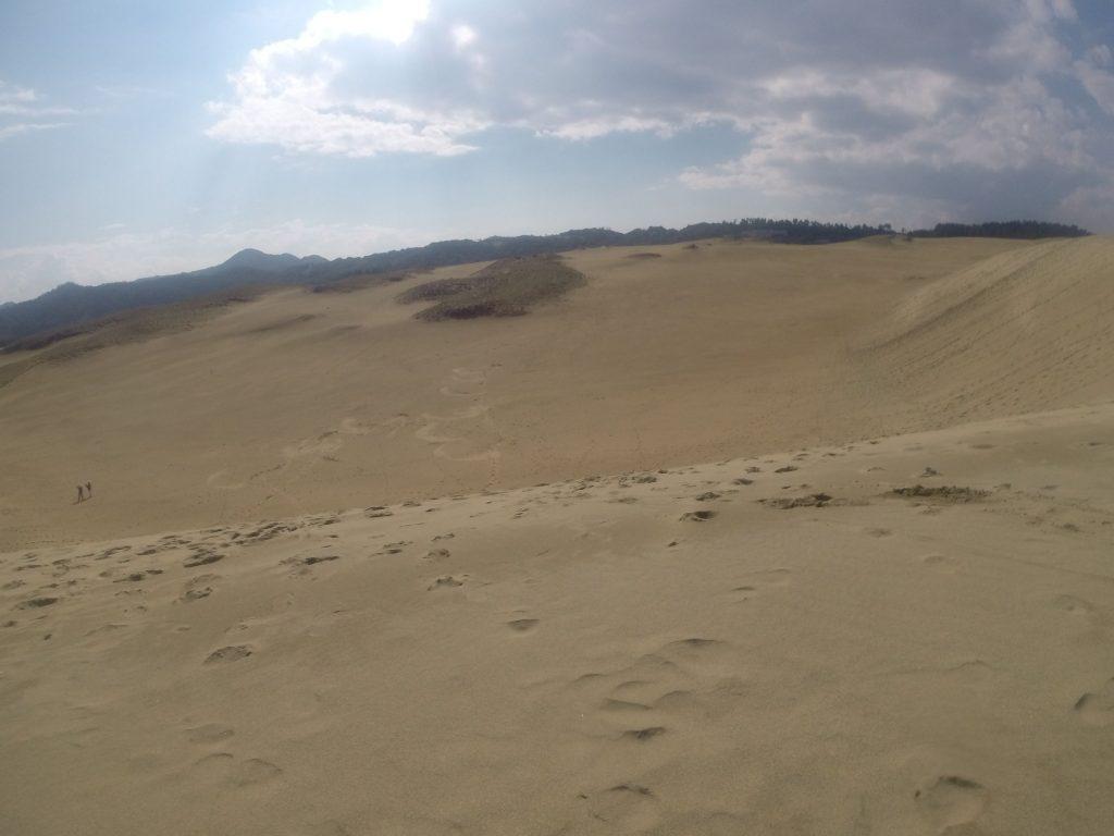 よく晴れてたのに、だんだん西の空が怪しくなってきた鳥取砂丘