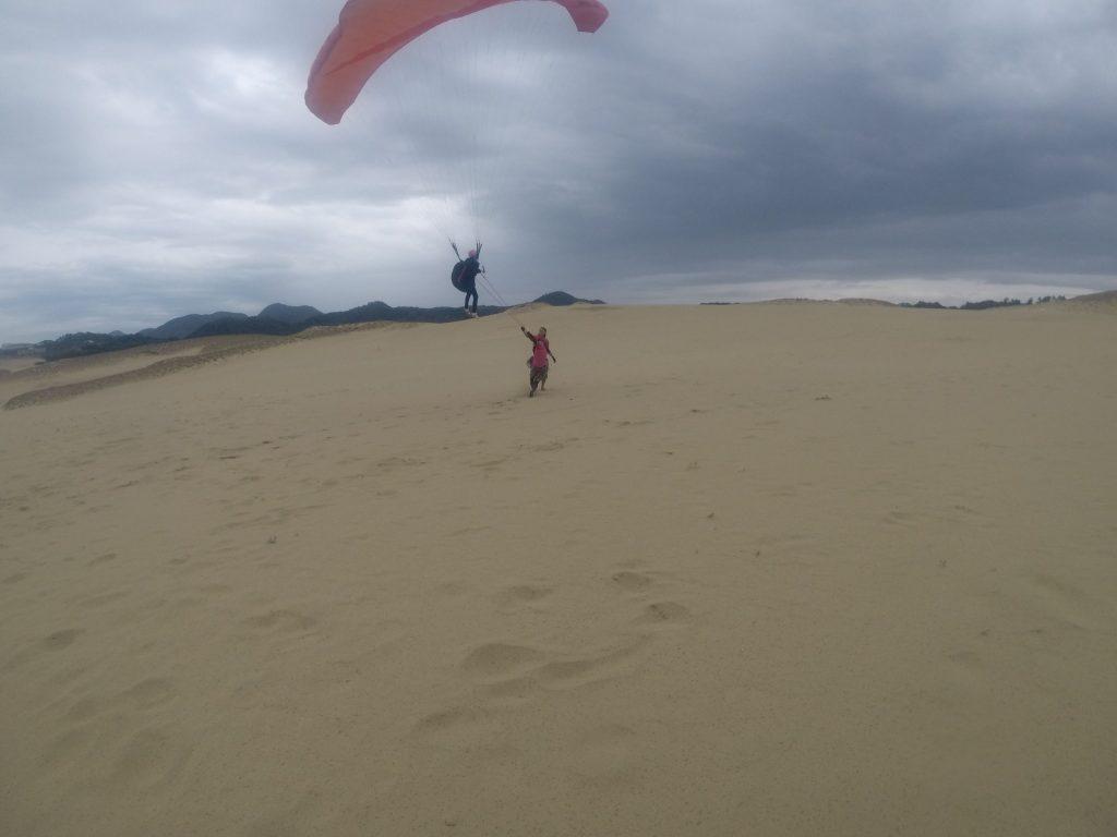 本格的に降りだすまでに、しっかり砂丘の空を堪能していただきました