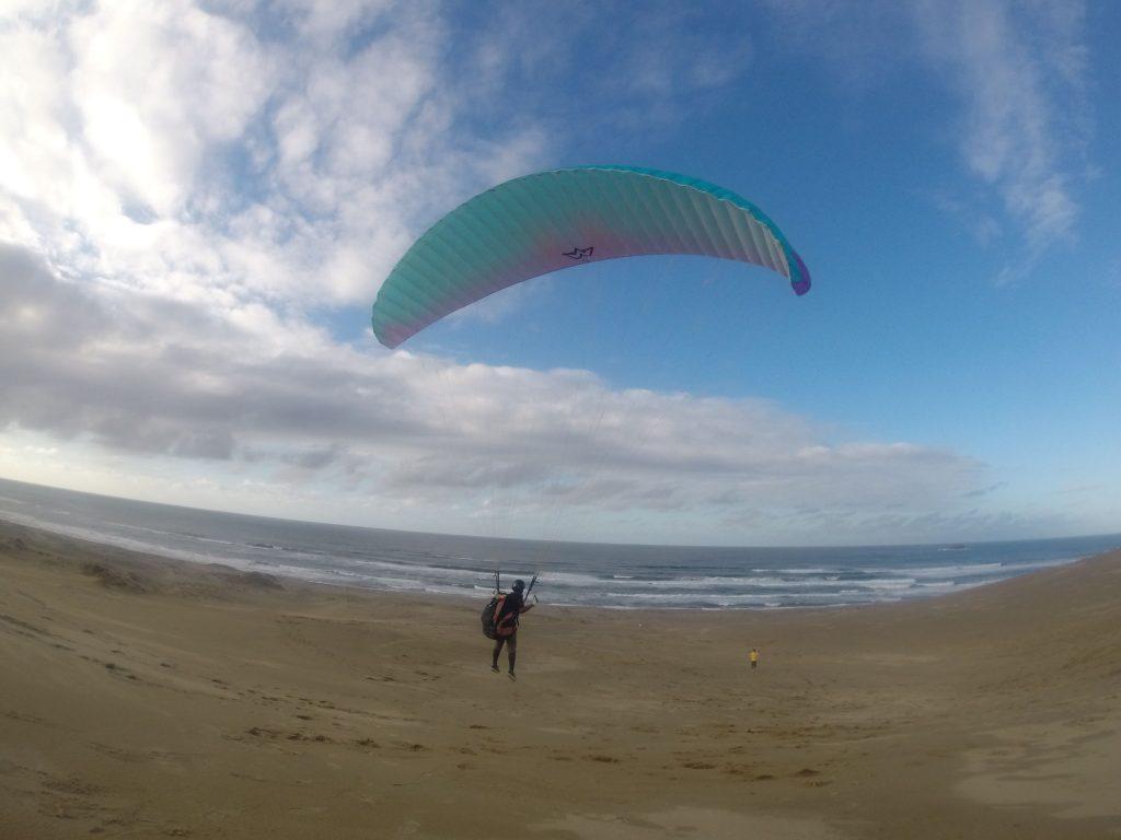 すぐに空中に浮かび上がって、楽しいスカイウォーキング