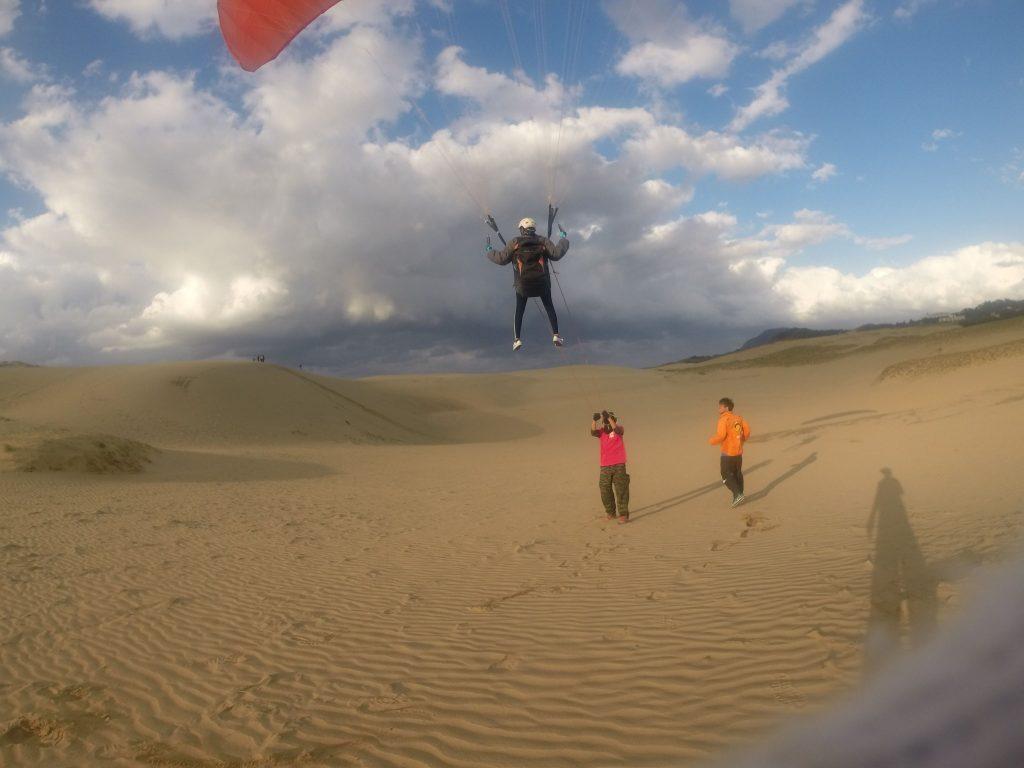 雄大な鳥取砂丘の風景を、空から独り占めで眺めることができました