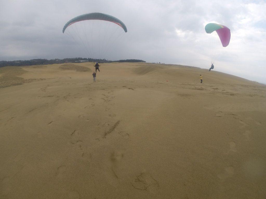 最後はお友だちと並んで、一緒に鳥取砂丘の空を共有しました