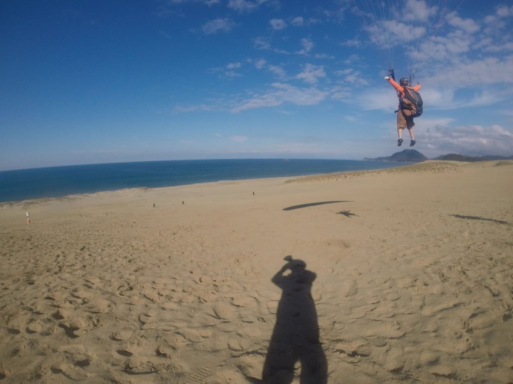 鳥取砂丘の大きな空は、お客さまたちを優しい風で迎えてくれました