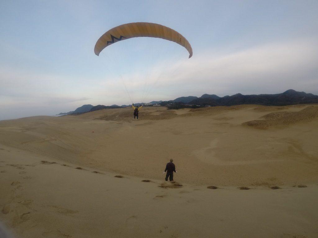今度は大きな砂丘を見下ろしながら、デラックスなフライトで締めくくりました
