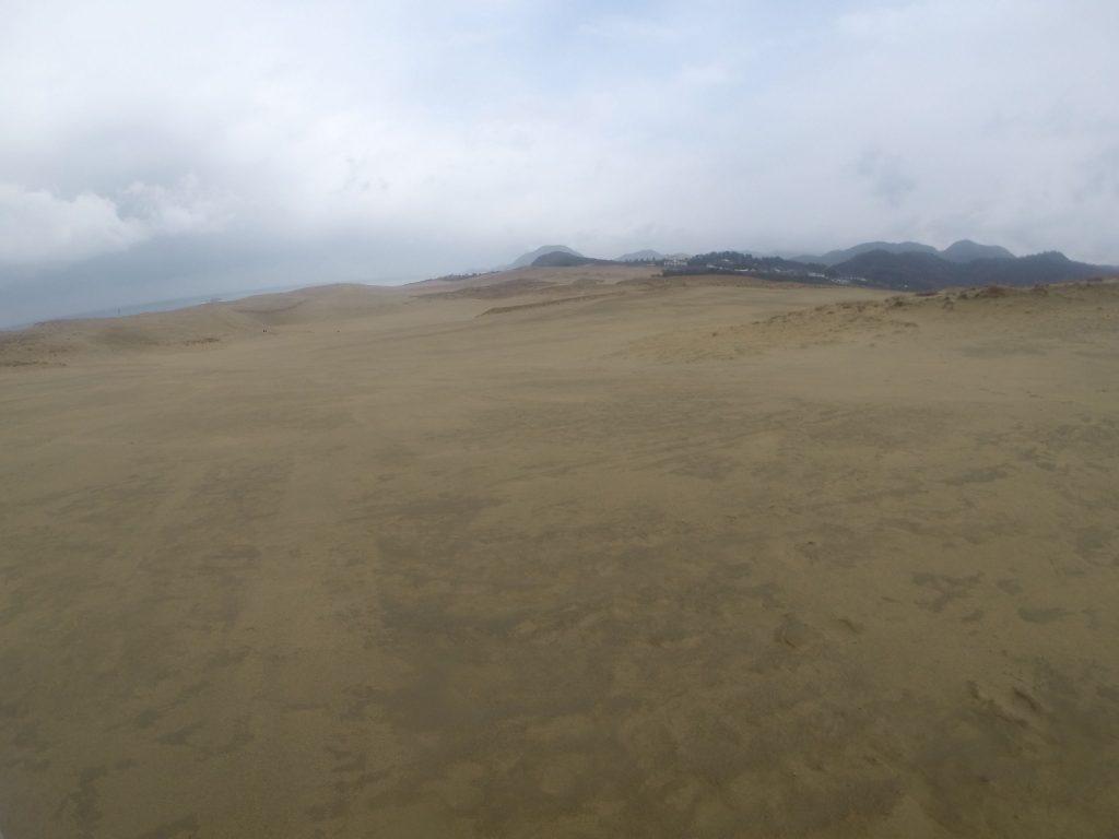 まだ昼ごろは小雨が降っていた鳥取砂丘