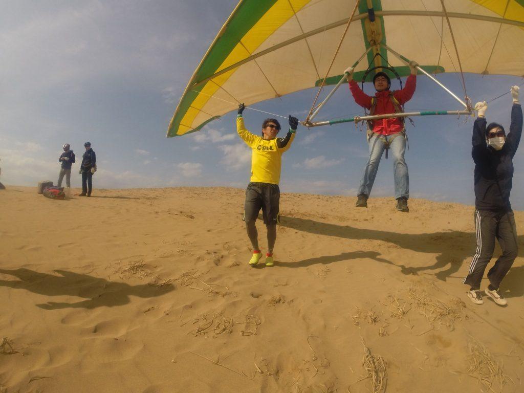 パワフルな南風ということでハングで浮遊体験を楽しみました