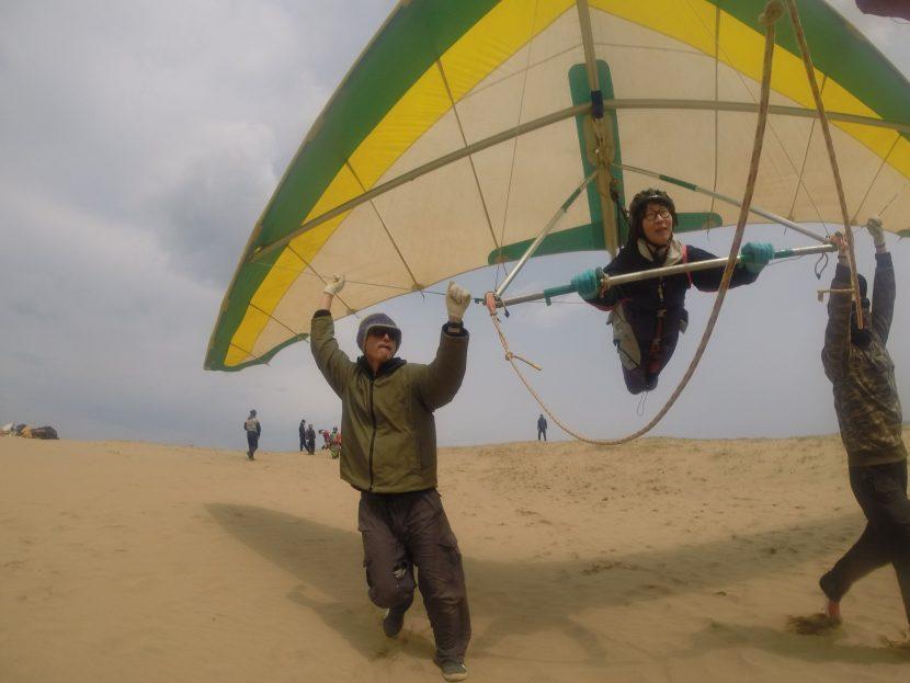 パワフル南風、ハンググライダーで余裕のグライド
